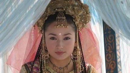 六个版本的香妃,李沁张嘉倪刘丹麦迪娜宋妍,你最喜欢谁?