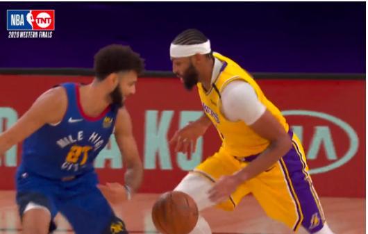 NBA季后赛西决大战拉开帷幕,在第一节比赛当中
