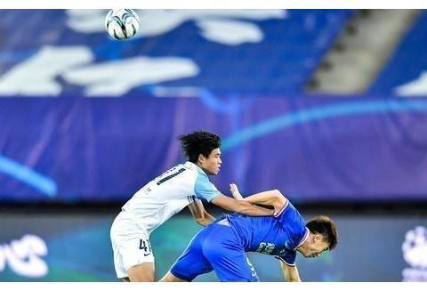 杨旭赛季首球赵明剑中柱,申花点射领先富力,鲁能两旧将抢眼