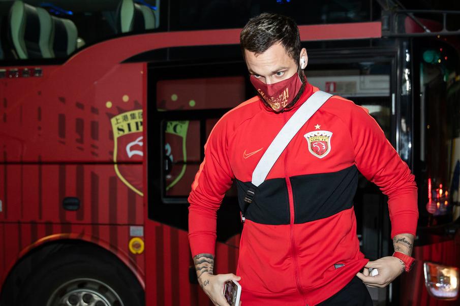 足协杯上港vs重庆当代首发:奥斯卡+洛佩斯压阵 对手单外援