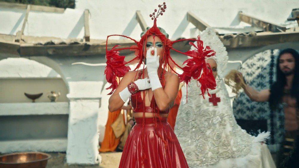 Lady Gaga新单《911》正式MV释出!
