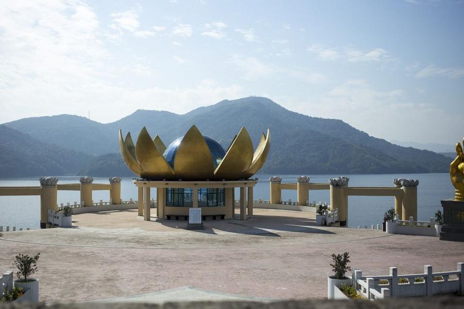 """安徽又一景点走红,人称安庆""""小西湖"""",却因16山峰媲美九寨沟"""