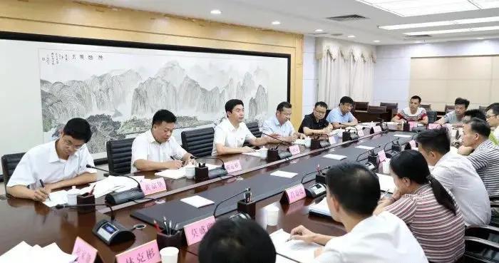 白松涛:对标先进榜样,推动政府工作再上新台阶