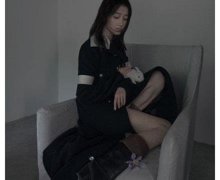 关晓彤生日画报照片曝光 淡妆长裙清纯动人