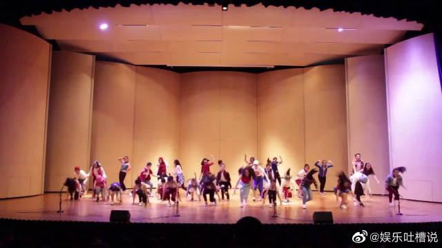 希林娜依·高 校园舞蹈社,元气少女,大跳热舞!