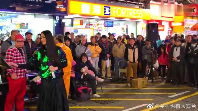 黄安《新鸳鸯蝴蝶梦》街头歌手唱出天籁声音