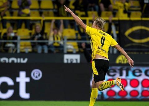 哈兰德前16场德甲比赛攻入15球,仅次德国传奇乌韦-席勒