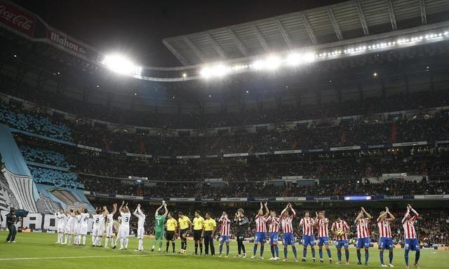 席尔瓦和何塞都是感染了新冠,其余的球员多达8位球员受伤,十分被动。