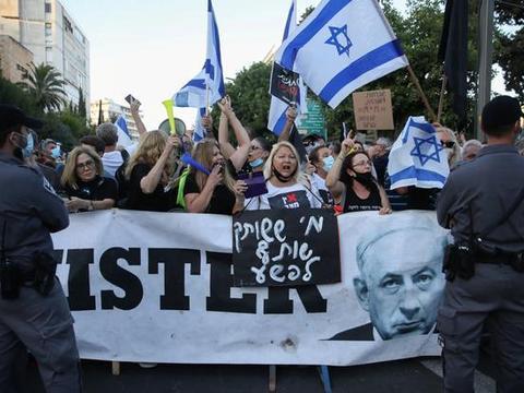 以色列爆发抗议!政府抗疫不力,人群要求总理下台,无视外交成功