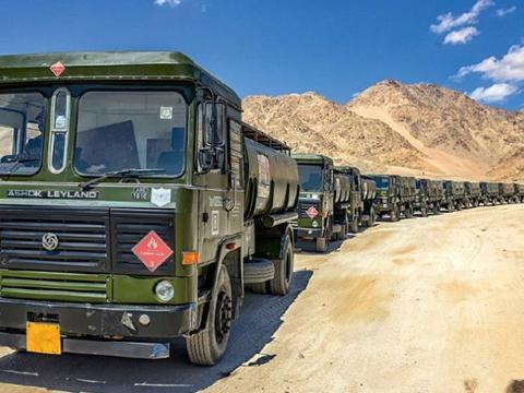 印军储备400万公升柴油,大批巧克力金枪鱼:最多能撑1个星期