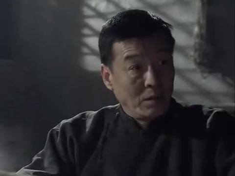地道战:万事俱备东风也不欠了,里应外合,解放县城!