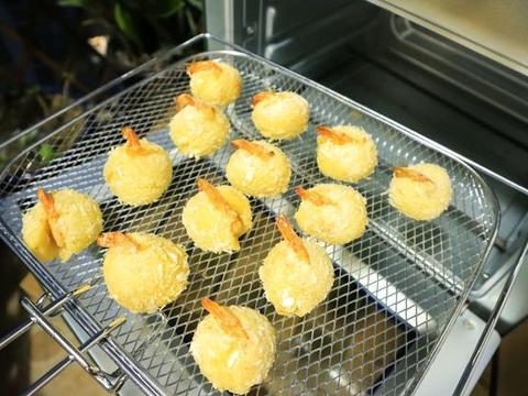 土豆泥搭配虾球,是孩子的最爱,做法简单上桌秒光