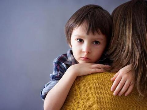 """孩子表现过于焦虑,家长善用""""流沙定律"""",帮助孩子舒缓心情"""