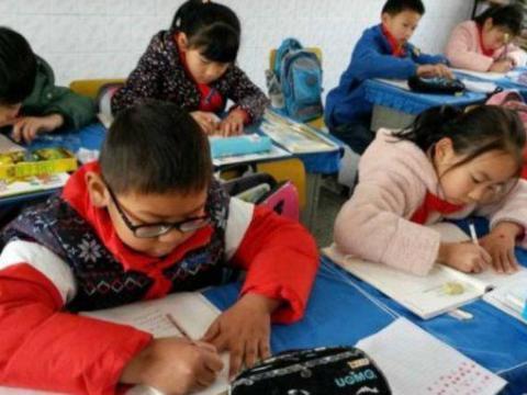 耶鲁大学:9岁是孩子成绩分水岭的关键年,提高阅读能力是关键