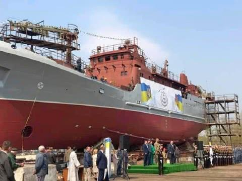有好牌仍打得稀烂!造航母船厂只能破产,改装侦察舰下水就被烧了