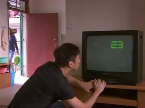 见到新衣柜和电视机,韩灵第一反应不是惊喜,竟是责怪肖然乱花钱