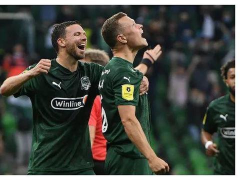 进球大战!一场7-2让欧冠球队疯狂抢分,联赛4轮保持不败