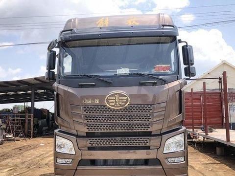 搭载潍柴轻量化发动机,解放JH6 8x4载货车底盘优势多多