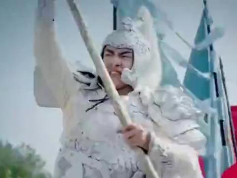 赵子龙武神出世,战场上英勇拼杀,就连前来救援的刘备都惊叹不止