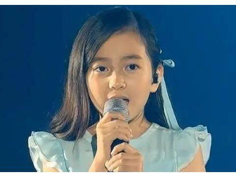 当年客串BIGBANG演唱会《BLUE》开场小女孩葛素媛近照