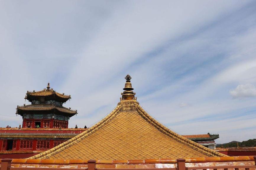 """河北""""小布达拉宫""""走红,被称""""最豪横""""寺庙,门票80游客却不绝"""