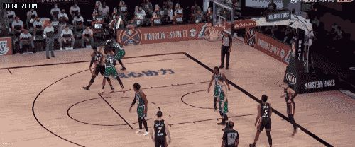 NBA季后赛绿军对阵热火,这场比赛对绿军尤为关键