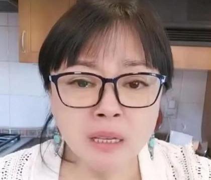49岁的李菁菁被曝与21岁的男友偷情,她哭着回答说:从不作弊