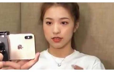 刘思瑶彻底败了,新视频被刀小刀占领,黑红果然不长久?