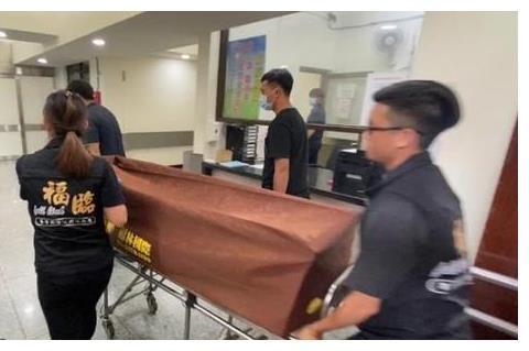 黄鸿升遗体解剖结束,并非意外摔倒致死,霍建华林心如送花圈悼念