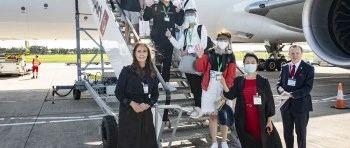 首个中国学生赴英留学包机顺利抵达贝尔法斯特!