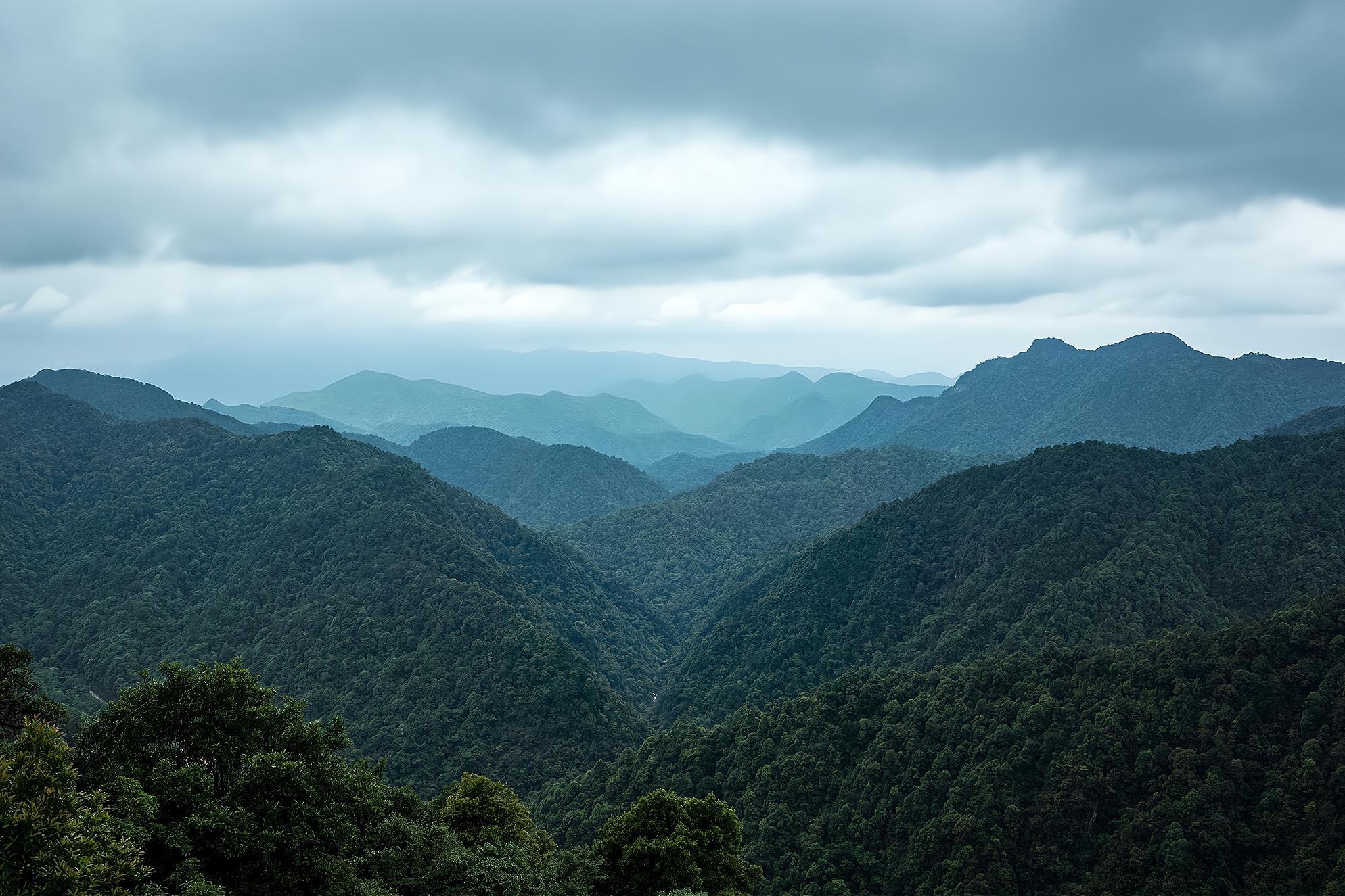 """香港居民饮用水源所在的江西省安源三百大山 被誉为""""东江之源"""""""