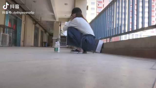 青岛即墨19岁女孩遭出租车司机持刀猥亵后续……