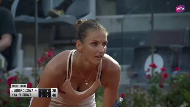 WTA罗马超五赛半决赛,在一场捷克德比中……