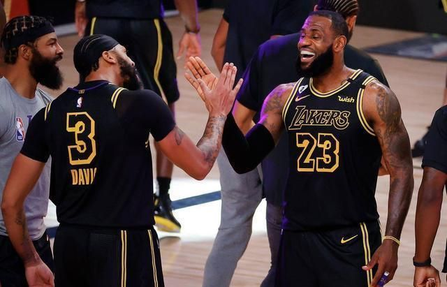 NBA季后赛西部决赛上演一出好戏,湖人与掘金战至最后一刻,凭借戴维斯的三分压哨绝杀
