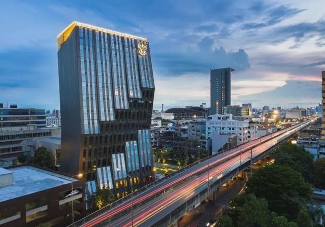 """泰国""""之""""字形竖线商务楼"""