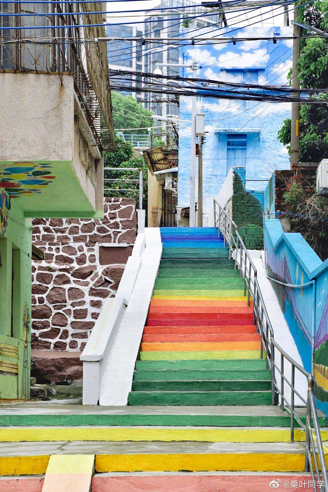 走在广州市南沙区的南北台村,就像走进一幅画一样