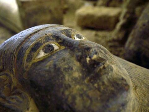 埃及发现了被埋葬2500年的萨加法尔石棺