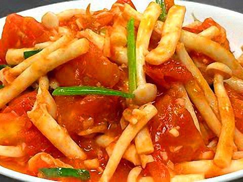 两个番茄一把海鲜菇,做出来鲜香又美味,好吃下饭营养丰富