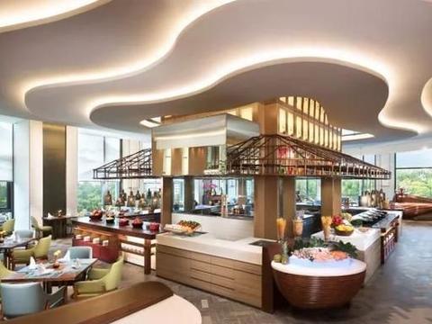 能看泉城广场全景的这家自助餐厅,五星环境,100+种中外料理任吃