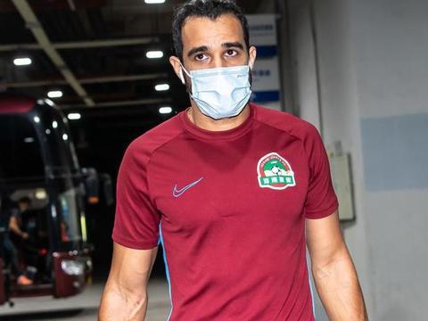 河南建业外援多拉多赛前热身受伤,卡兰加替补进入首发
