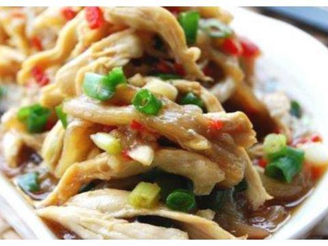 精选美食:茄子拌鸡丝,豆腐香菇汤,鸡抱丝瓜,豆芽拌粉条的做法