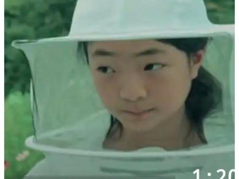 小陶虹女儿近照曝光!与偶像同框惹人羡,却被指五官是爸爸翻版?