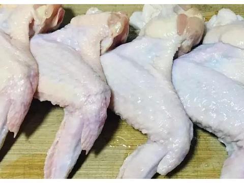 红烧鸡翅不爱吃?教你可乐鸡翅,香甜嫩滑,简单易学,超好吃