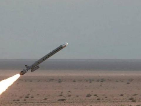 沙特联军陷入绝望,胡塞武装动用弹道导弹,连续3天轰炸沙特首都