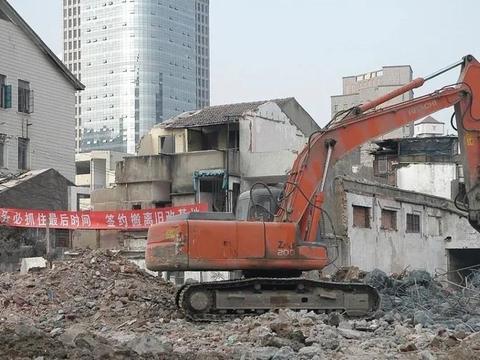 村委会是否有权要求村民腾退宅基地或是拆除?它都能决定哪些事?