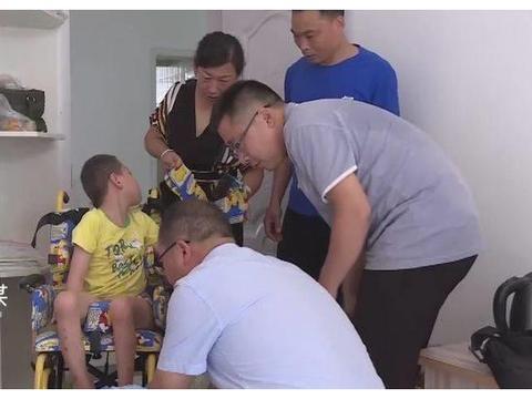 """泗阳:情暖残疾儿童用""""送教""""托起残疾孩子美好明天"""