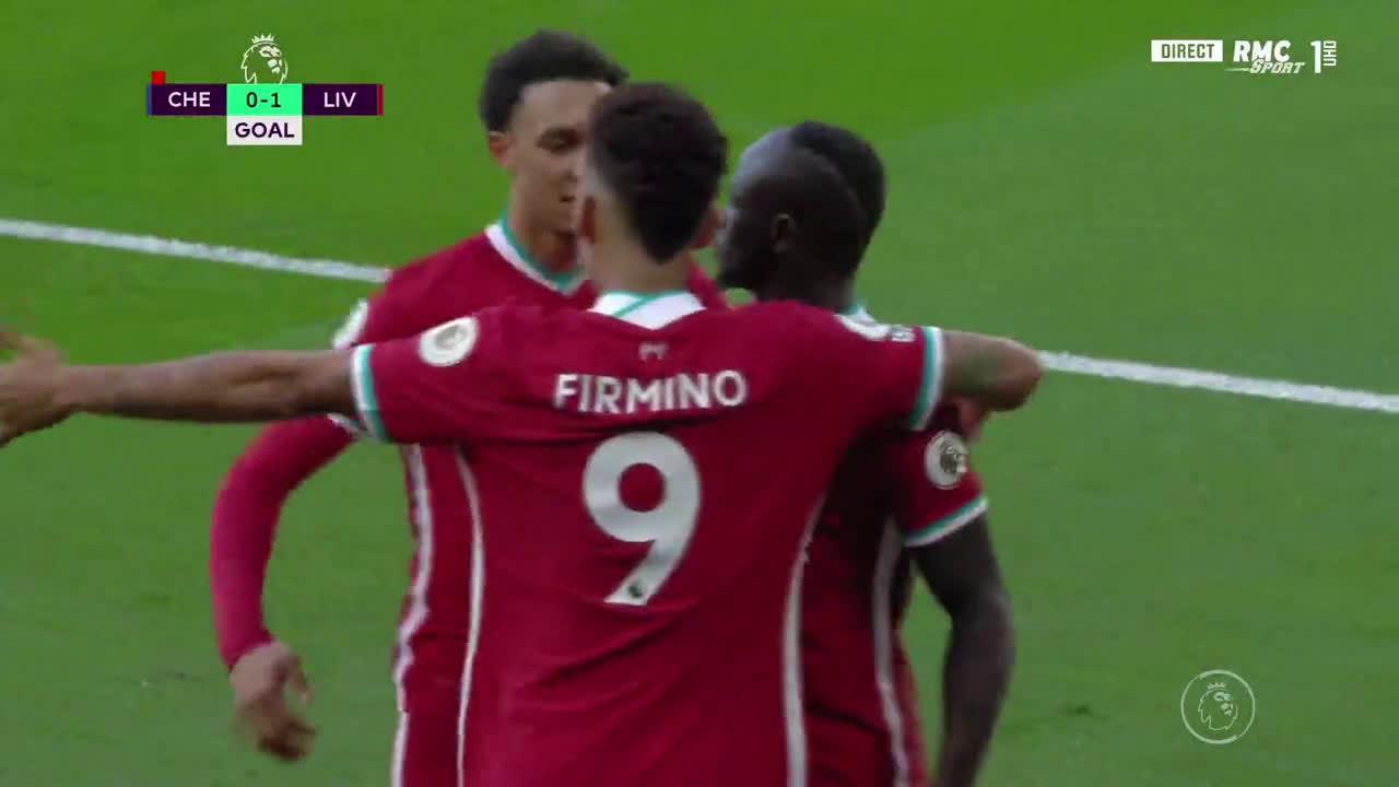 利物浦领先!三叉戟的配合,萨拉赫→菲尔米诺→马内破门!