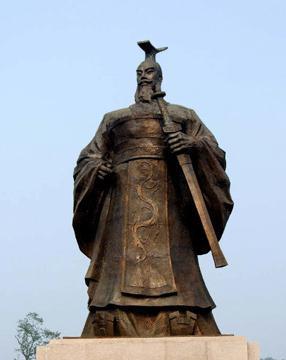 汉朝建立后韩王信造反是有外在因素也有内在因素