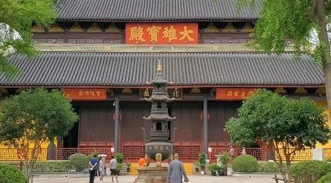江苏常州天宁寺,号称中国禅宗四大丛林之一,佛教元素的寺庙