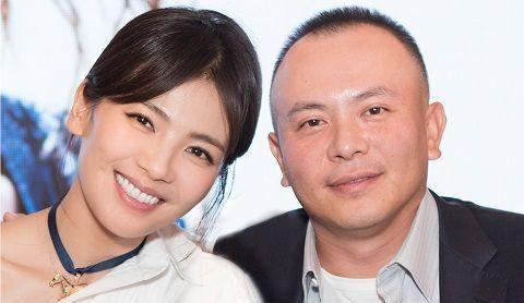 限薪令下,人设崩塌,丈夫王珂欠债4亿,刘涛为何始终不离婚?